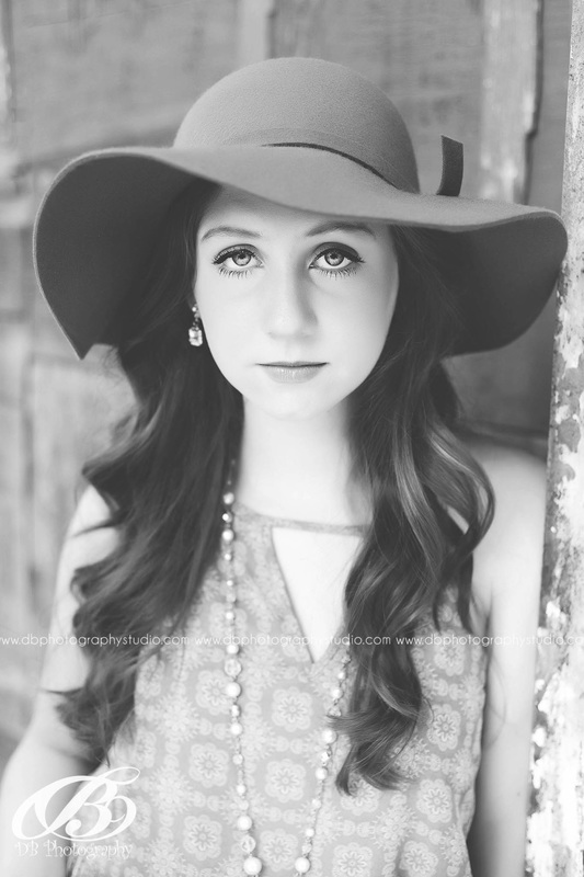 Central Arkansas Senior Photographer | McCrory Arkansas | DB Photography | Seniors by DB Photography | Black and white | close up | gorgeous |